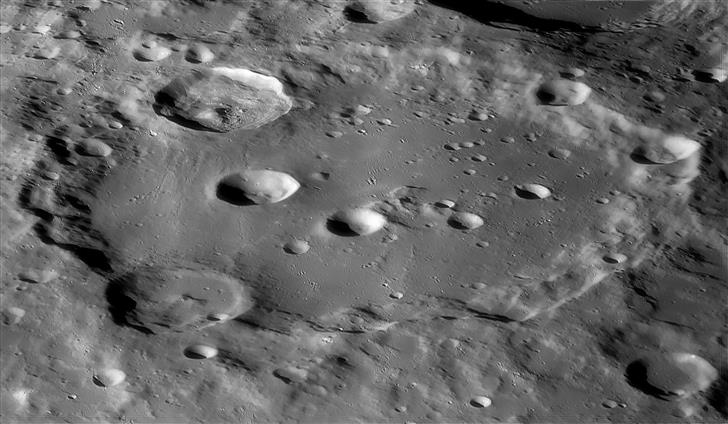 These fantastic images were acquired  and processed by Moon imaging enthusiast Ulli Lotzmann  using 1m RC telescope working at 1:16